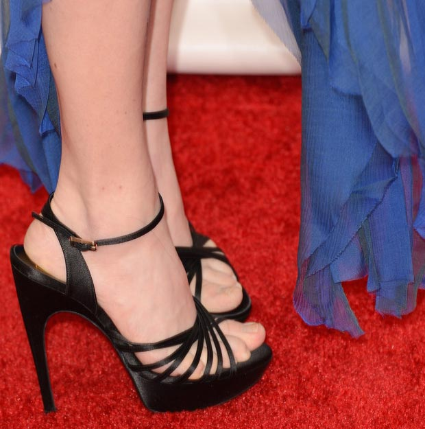 Amanda Seyfried black Vivier sandals Critics Choice Awards 2013