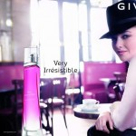 Amanda Seyfried Givenchy Very Irresistible perfume ad