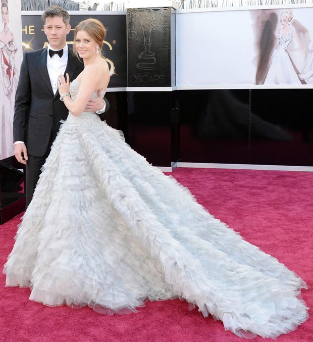 Amy Adams dela Renta dress 2013 Oscars with her husband
