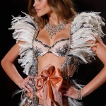 Ana Beatriz Barros Victoria s Secret 2009 show 1