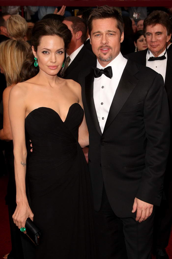 Angelina Jolie Elie Saab dress Oscars 2009 5