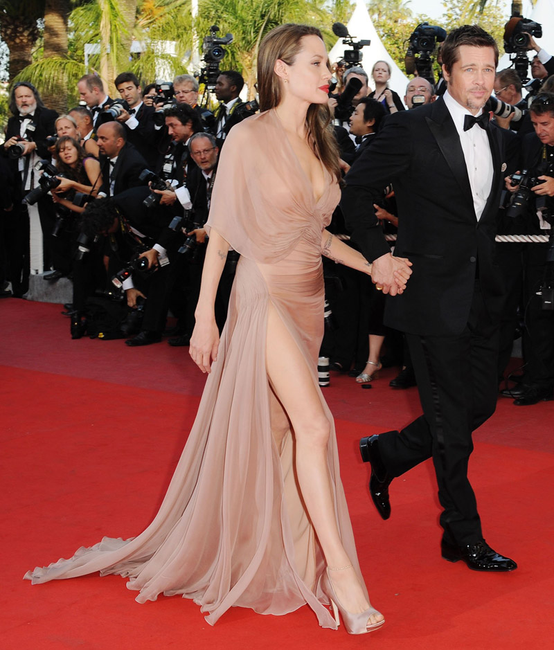 Angelina Jolie's Versace Dress For Cannes 2009 - StyleFrizz