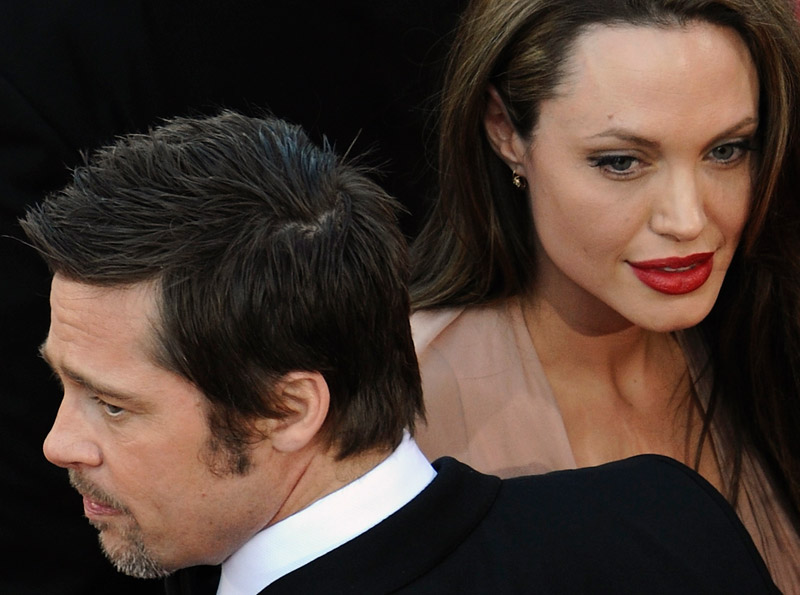 http://stylefrizz.com/img/angelina-jolie-inglorious-basterds-cannes-2009-4.jpg