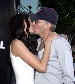 Angelina Jolie Kissing Billy Bob Thornton