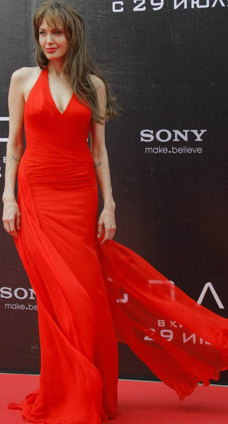 Angelina Jolie Versace Red dress Salt premiere Moscow
