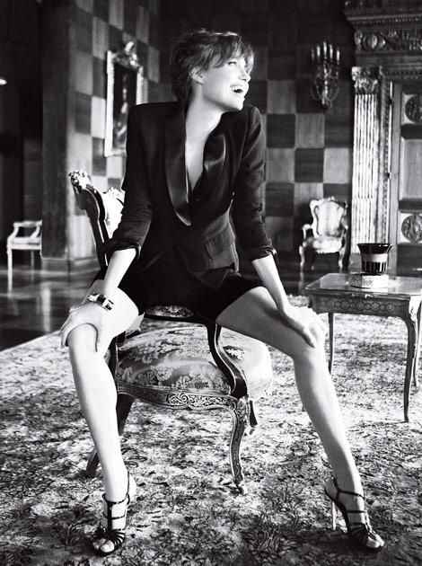 Angelina Jolie Vogue US December 2010 Mario Testino