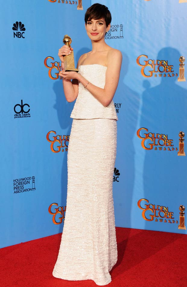 Anne Hathaway In White Chanel Dress 2013 Golden Globes Winner