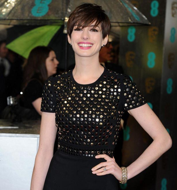 Anne Hathaway black dress hairdo 2013 BAFTA