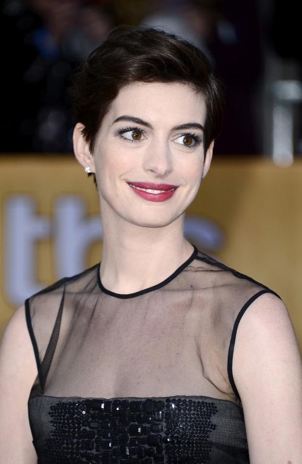 Anne Hathaway Giambattista Valli Black Dress & Nails 2013 SAG Awards Winner
