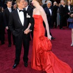 Anne Hathaway red Valentino dress 2011 Oscars 1