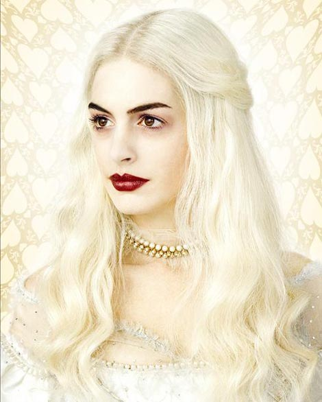 Anne Hathaway White Queen Wonderland