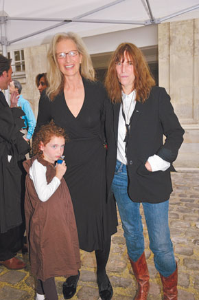Annie Leibovitz and Patti Smith at Paris Exhibition