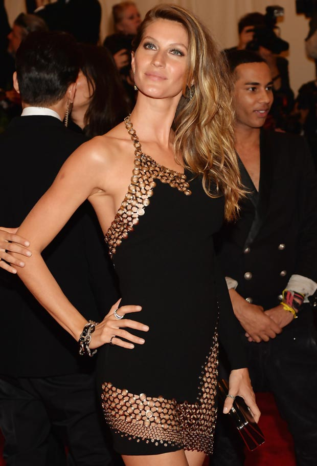 2013 Met Gala Fashion: Gisele Bundchen Vaccarello Revealing Black Dress