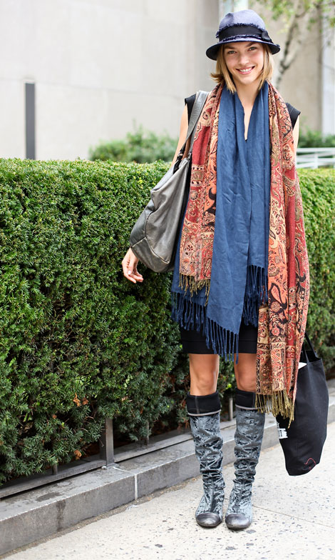 Gipsy Outfit Arizona Muse's Double Scarf Incident