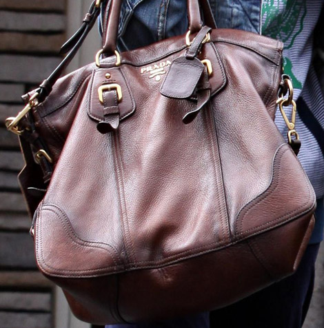Ashley Tisdale Vit Daino side pocket Prada brown tote