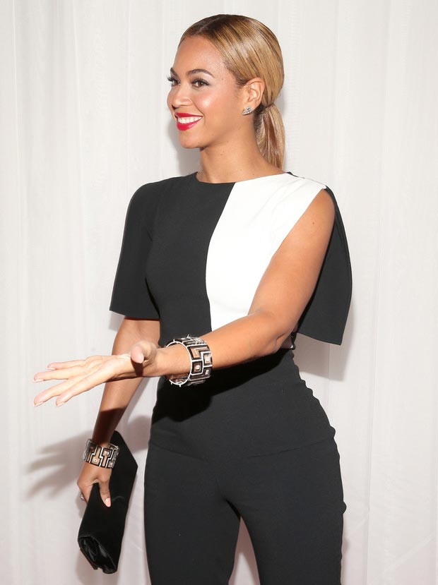 Beyonce 2013 Grammy Awards makeup jewelry