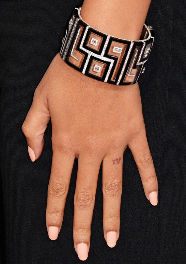 Beyonce 2013 Grammy nails bracelet ring finger tatttoo
