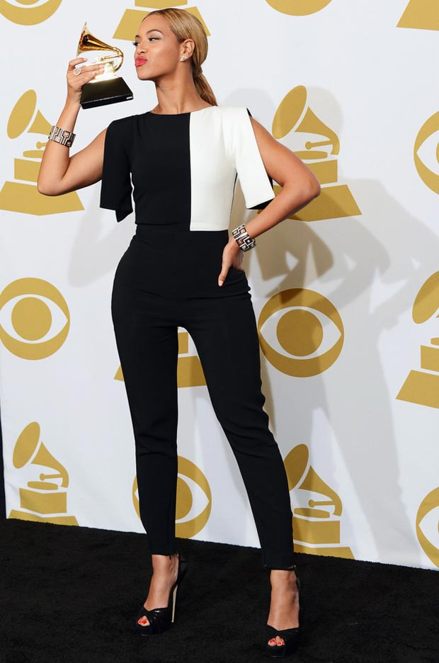 Beyonce 2013 Grammy winner black and white jumpsuit