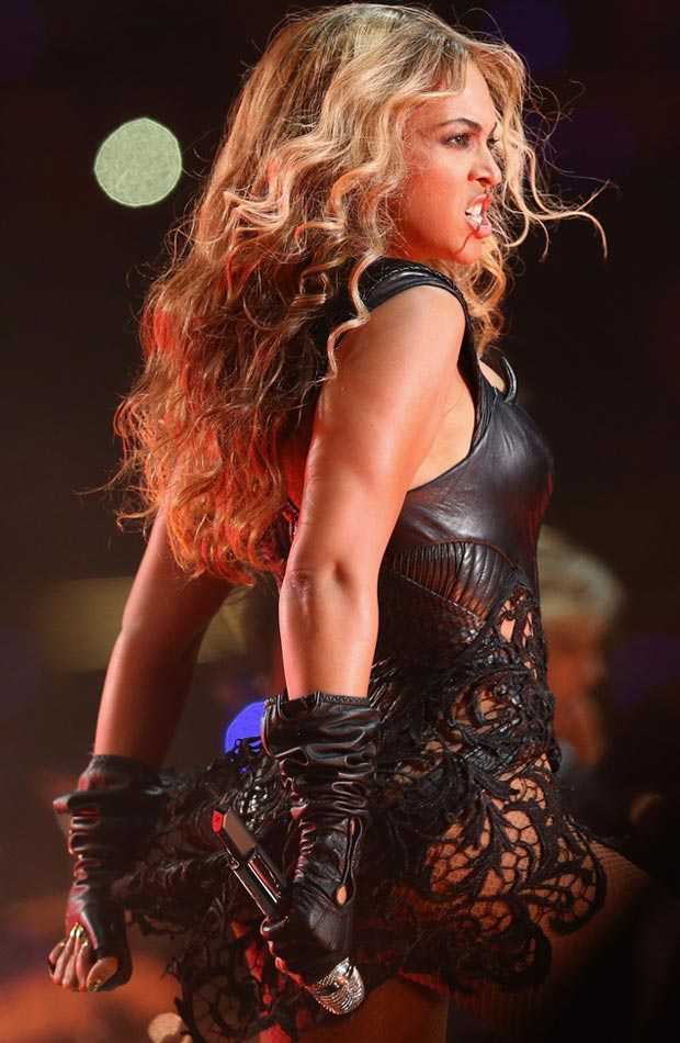 Beyonce black Super Bowl outfit lace skirt