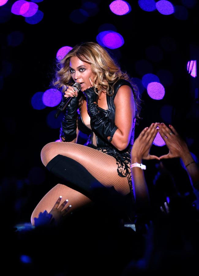 Beyonce stuns on Super Bowl Halftime stage