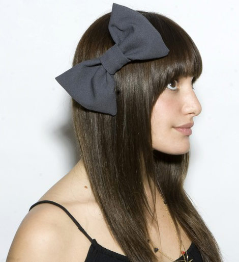big head bow black v y