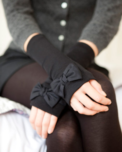 adorable bow gloves could make perfect christmas gift