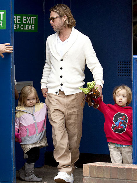 Brad Pitt Is A Very Fashionable Guy. Not!