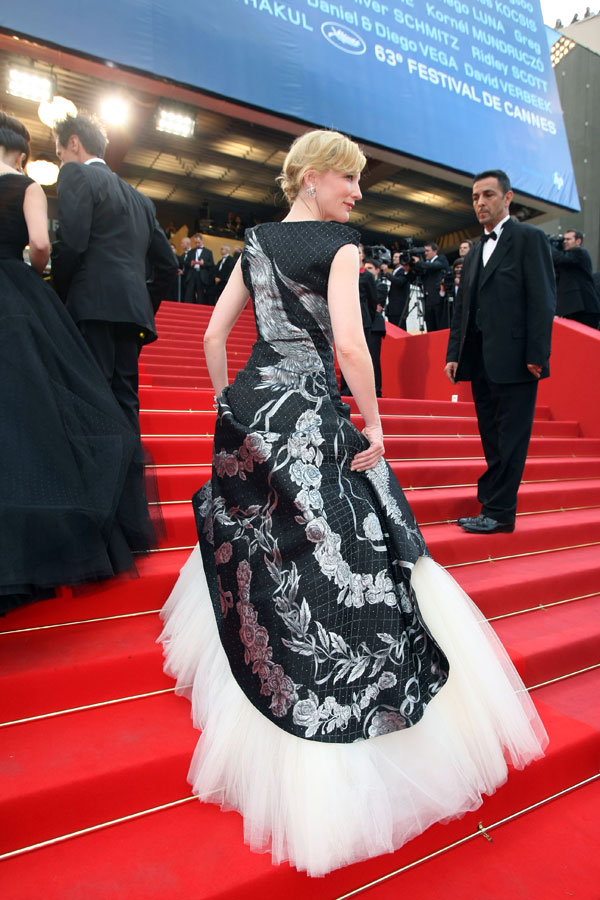 Cate Blanchett Alexander McQueen dress Cannes 2010 1