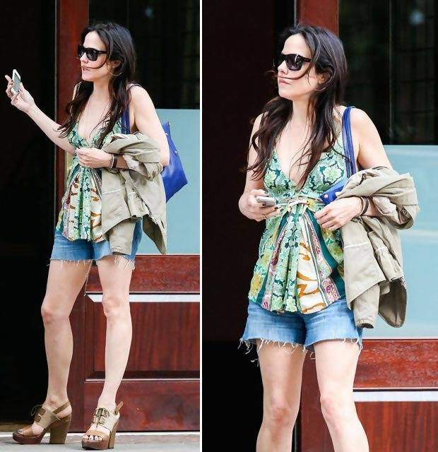 celebrities wearing shorts Mary Louise Parker