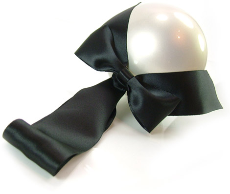 Chanel giant pearl bow evening purse