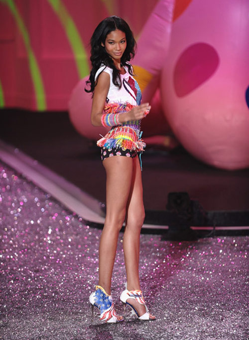 Chanel Iman Victoria s Secret 2009 fashion show 3