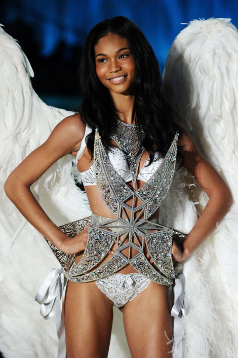 Chanel Iman Victoria s Secret 2010 wings