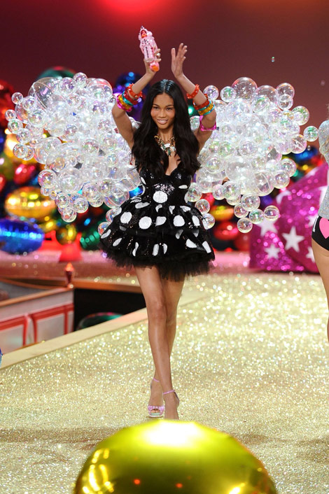 Chanel Iman Victoria s Secret fashion show 2010