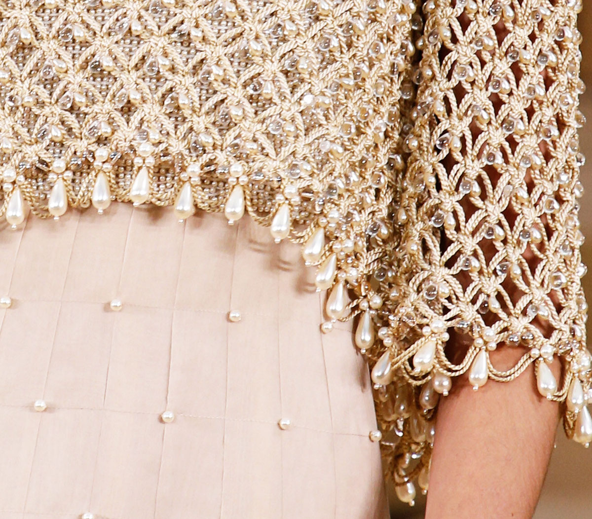 Chanel Spring 2016 Haute Couture rope pearls