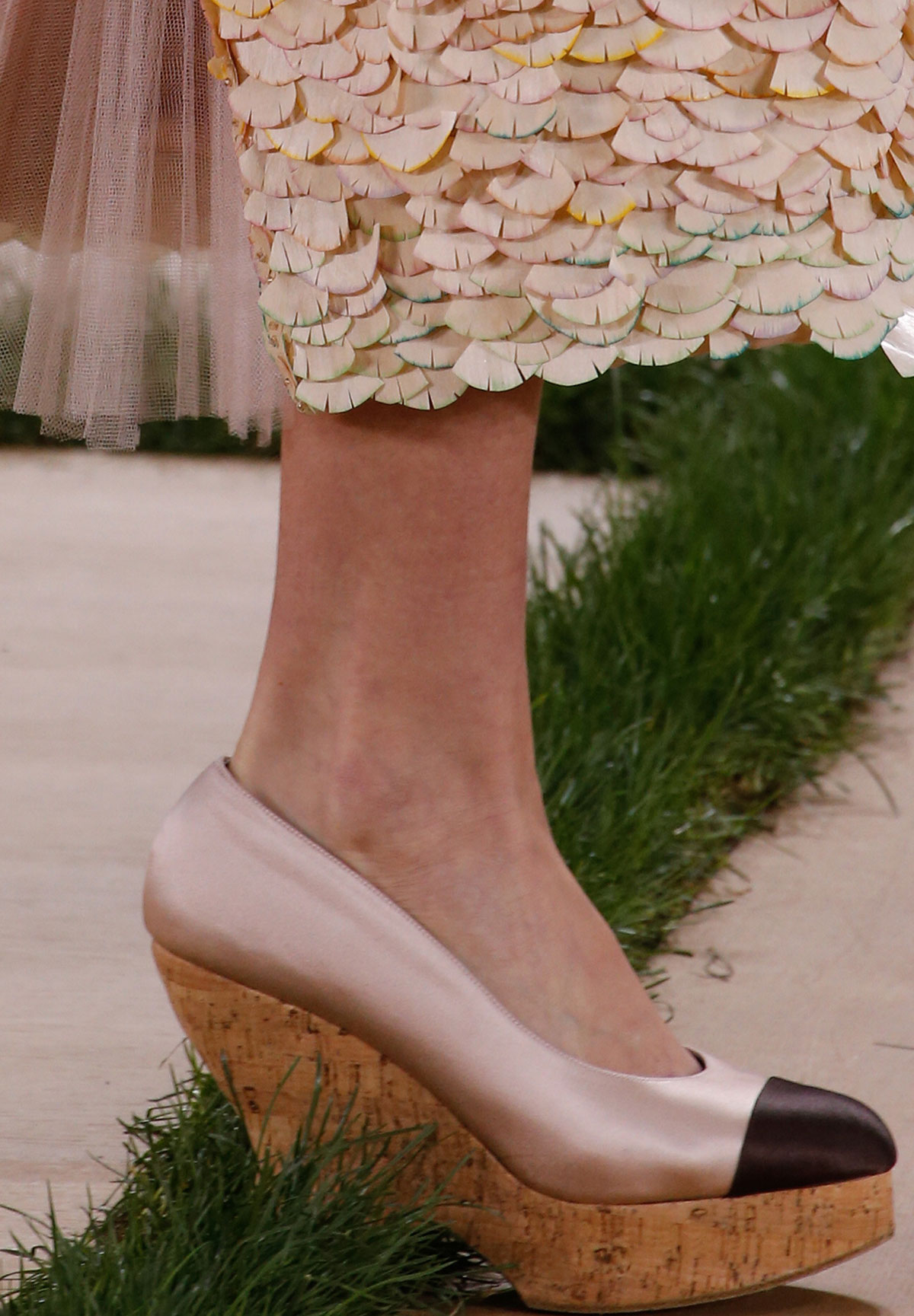 Chanel Spring 2016 Haute Couture wood sandal