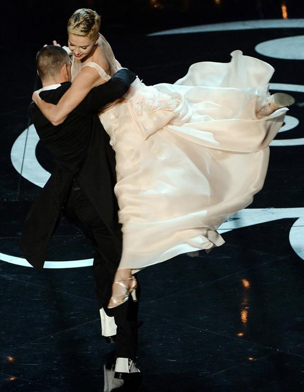 Charlize Theron Oscars 2013 dance Channing Tatum