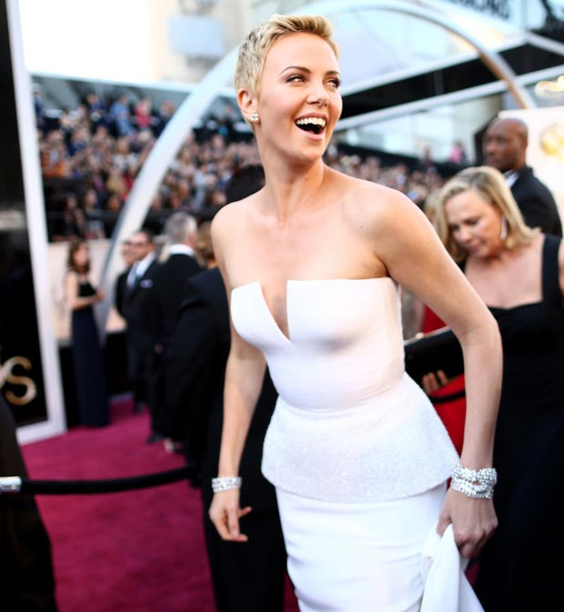 Charlize Theron short hair 2013 Oscars