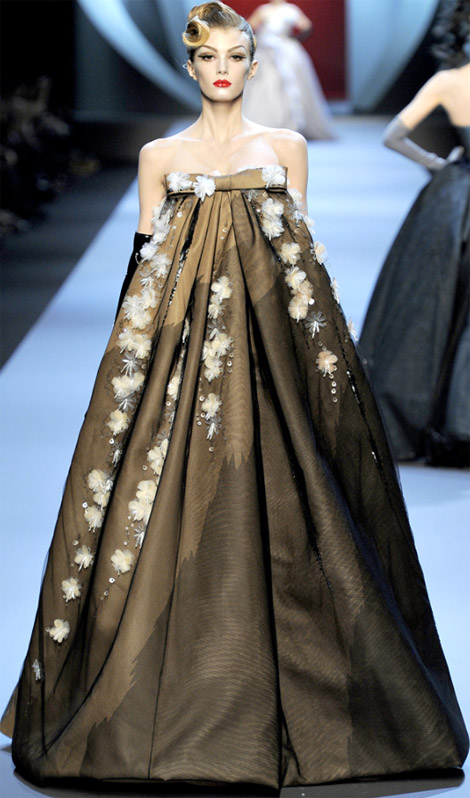 Christian Dior Haute Couture Spring Summer 2011 Fashion Show