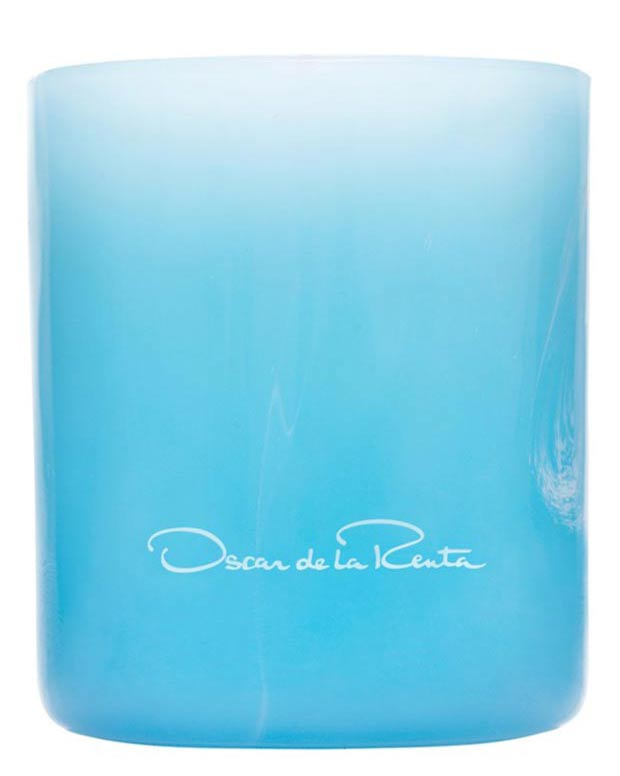 christmas gifts for fashionistas scented candle Oscar de la Renta