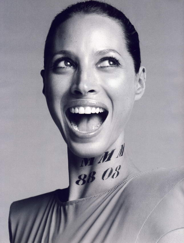 Christy Turlington Vogue French October 2008 01