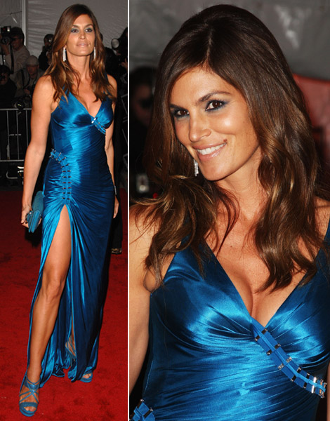 Cindy Crawford's Blue Versace Dress At Met Gala 2009