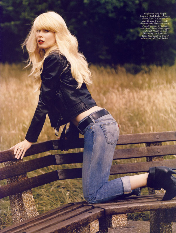 Claudia Schiffer Vogue Paris October 2009 3