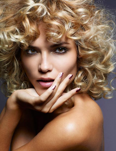curly hairdo Natasha Poly Madame Figaro