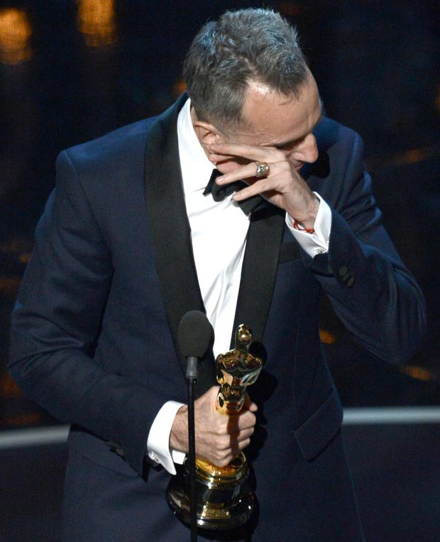 Daniel Day Lewis crying 2013 Oscar win speech