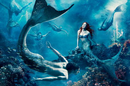 Disney Fantasea Julianne Moore as The Little Mermaid Ariel
