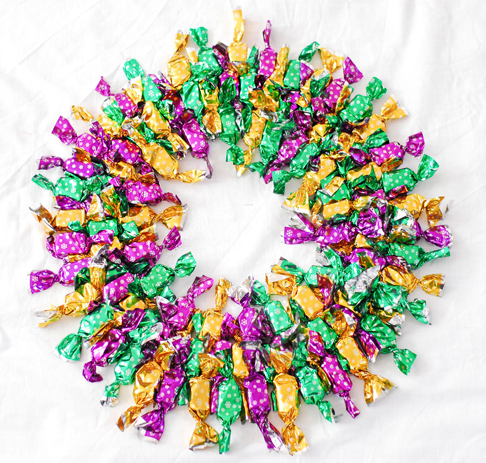 diy bonbons winter christmas wreath
