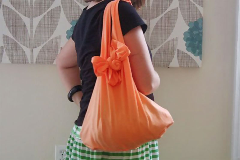 diy bow shoulder bag from tshirt