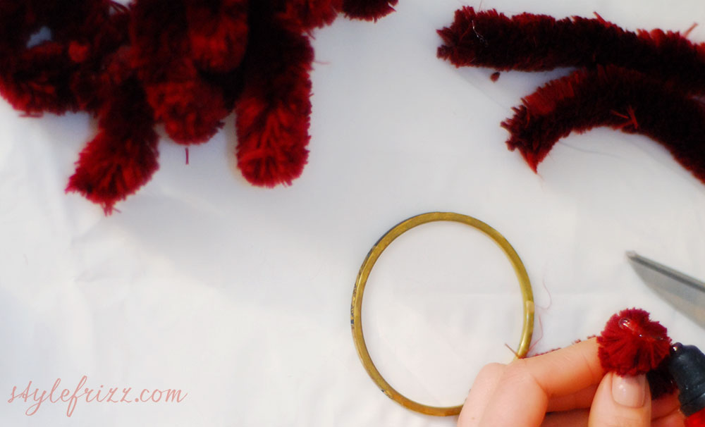 DIY Burberry pompom bracelets step one