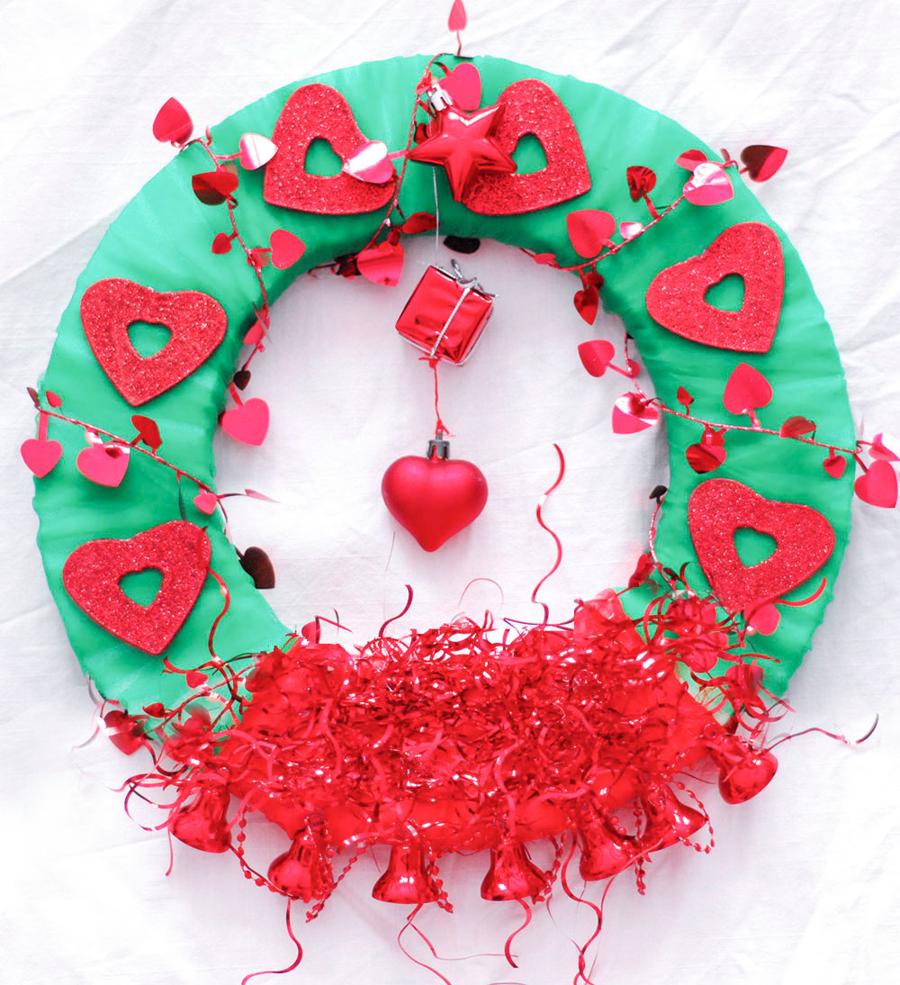 diy red green hearts valentines day wreath