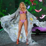Doutzen Kroes Victoria s Secret 2009 show 1
